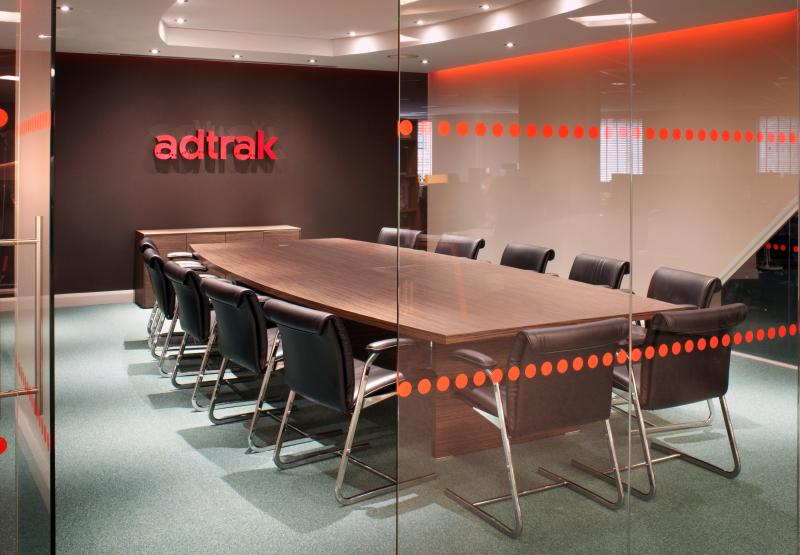 Adtrak elenco